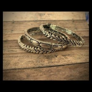 Premier Designs Arrow stretch bracelets (set of 3)